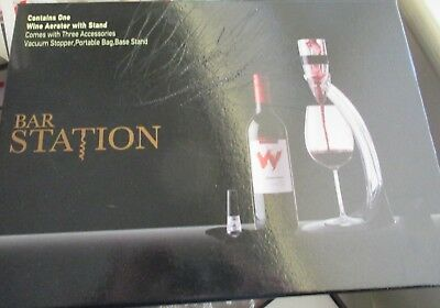 Wine aerator with stand  and stopper      (As new  - used once).