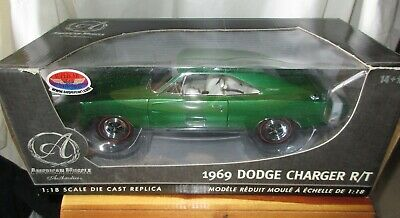 1969 Dodge Charger R/T Hemi 1/18 American Muscle / Authentics