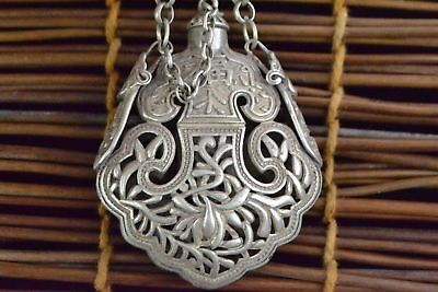 Collectible Chinese Old Handwork Tibet Silver Flowers Perfume Pouch Snuff bottle