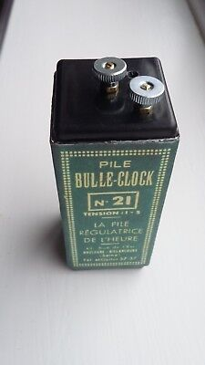 Reproduction Bulle Clock battery holder with voltage regulation