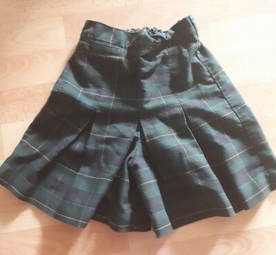 Size 6 green tartan skort school uniform excellent condition