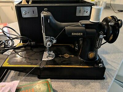 Singer Portable Electric Sewing Machine 221-1 Featherweight