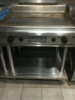 Waldorf 900mm Hotplate/Griddle. Stainless Steel. Used - good condition