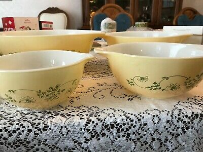 Vintage Pyrex Shenandoah Cinderella 4 pc  Mixing Bowl Set 441-444 Yellow w/green