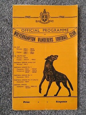 Wolverhampton Wanderers v Manchester Utd Programme 5 march 1966 good condition