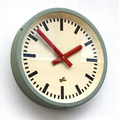 EAST GERMAN1950s/1960s Midcentury Factory Retro Vintage Industrial Wall Clock