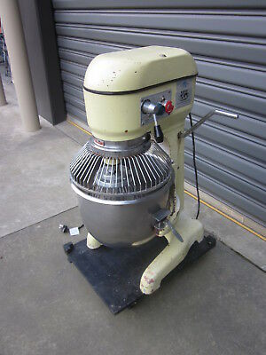 IBE PLANETARY COMMERCIAL MIXER. TM20 Model.3 SPEED..WITH WHISK
