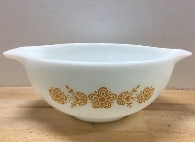Vintage Pyrex # 443 Yellow Butterfly Gold  2 1/2 Quart Mixing Nesting Bowl