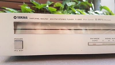 Yamaha Natural Sound AM / FM Tuner T-560 made in Japan 1981-82