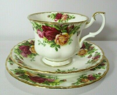 Royal Albert Old Country Roses Teacup, Saucer & Plate Trio, GC, Free Post