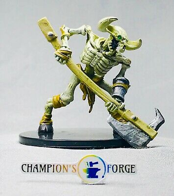 D&D Dungeon of the Mad Mage  ~ Minotaur Skeleton #32a Uncommon