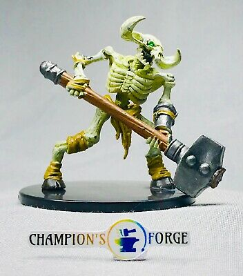 D&D Dungeon of the Mad Mage  ~ Minotaur Skeleton #32b Uncommon