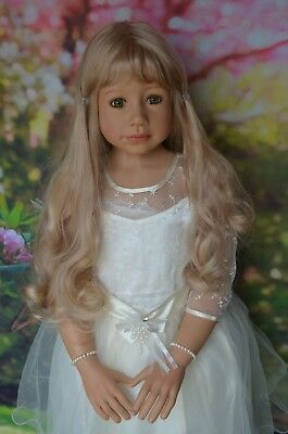 """Masterpiece Dolls Sleeping Beauty Blonde Wig, Fits Up To 20"""" Head"""