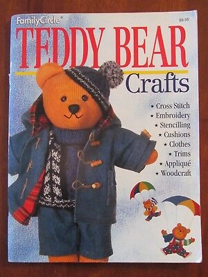 FAMILY CIRCLE - TEDDY BEAR CRAFTS CROSS STITCH CLOTHES WOODCRAFT 1995 SC vgc