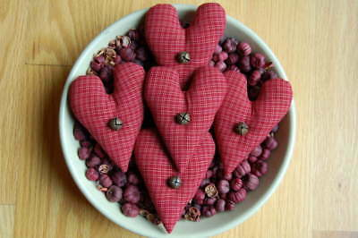 Primitive Valentines Day Homespun Heart Ornies, Red Check