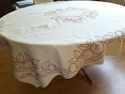 N08 Ancienne Nappe chanvre broderies rouges coings 146x175cm Old Hemp tablecloth