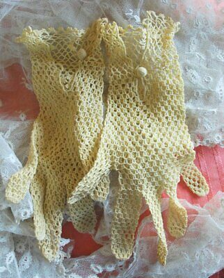 Vintage Pale Yellow Hand Crochet Lace Ladies Gloves