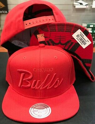 eccf68a3f9144 Mitchell   Ness Chicago Bulls ELEVENS RED TONAL SNAP snapback CAP Hat NBA