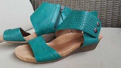 0ad3fd5a4c52 Women s ROCKPORT Cobb Hill Collection HOLLYWOOD 2-Piece Cuff SANDALS sz 8