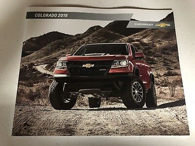 2018 CHEVY COLORADO 44-page Original SHOWROOM Sales Brochure