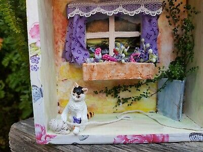 box frame home decor ''the cat and hiss yarn''