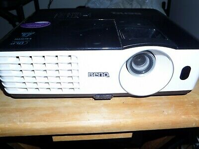 BENQ Model EP4227 Projector HDMI 929 Hours, cables and remote control