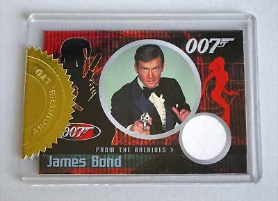 JAMES BOND 007 DANGEROUS LIAISONS ROGER MOORE CASE TOPPER COSTUME Chase CARD CC4