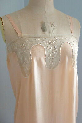 Antique French 1920s silk crepe de chine and lace slip / nightdress