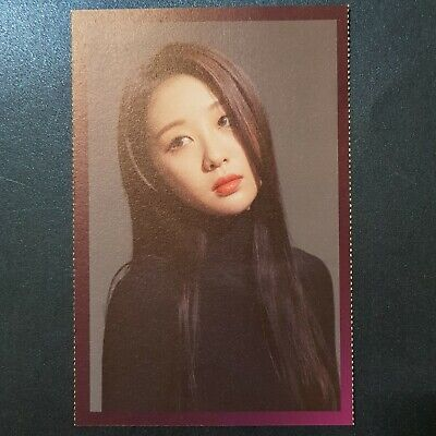 Yves - Loona Photo Loonaverse Concert Official MD Monthly Girl Kpop