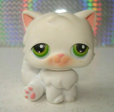 Hasbro Littlest Pet Shop #15 White & Pink Persian Cat Figure with Green Eyes