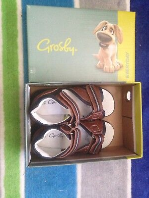 Grosby Kids Shoes, Size 26