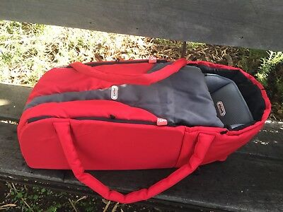 Phil & Teds Baby Cocoon Carrier Bassinet Cot Pram Near New