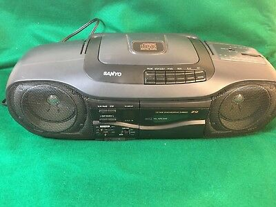 VTG Sanyo MCD-Z2(K) Cassette CD AM FM Portable/Wired Boom Box AC DC TESTED