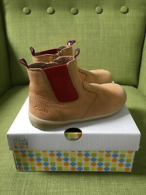 Clarks First Shoes Mitch Tan Boot Size 7E pre owned Boys boots Girls boots