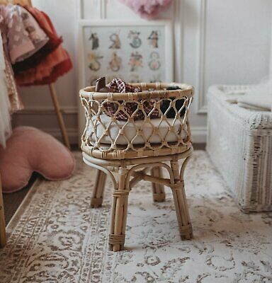 Doll's Petite Rattan Bassinet with Mattress/Pretend Play/Heirloom Toy/NEW