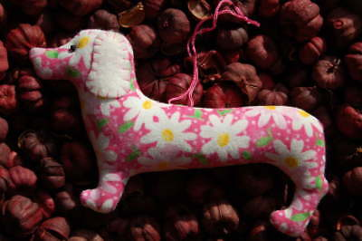 Primitive Easter Spring Pink Daisy Print Dachshund Ornie, Hanging Ornament