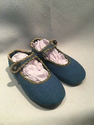 Very Sweet Vintage Blue Felt Mary Jane Child or Doll Shoes or Slippers