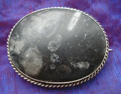 Beautiful large antique Victorian Scottish Silver & Fossil Agate brooch
