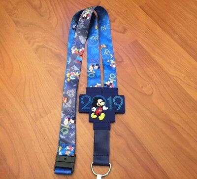 New Disney Parks 2019 Mickey & Friends Reversible Pin Lanyard