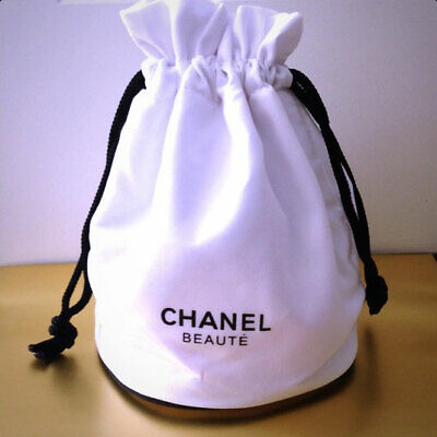 2d08154746c1 CHANEL Beaute Little White Canvas Bucket Makeup Bag Cosmetic Pouch VIP Gift  2019