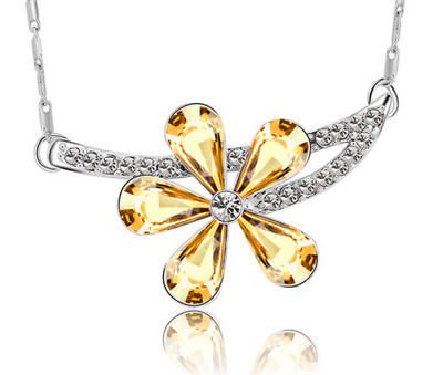 Fashion Womens Flower Yellow Crystal Rhinestone Silver Chain Pendant Necklace