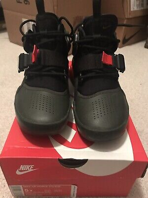 23255418e1e355 NIKE AIR FORCE 270 Size 5Y Boys 6.5 Women s Excellent Condition ...