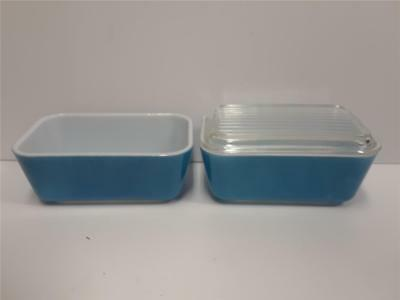Two Pyrex Primary Blue Refrigerator Dishes 0502 *One Lid*