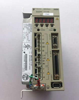 1PC USED Yaskawa servo Drive SGDH-04AE  #RS8