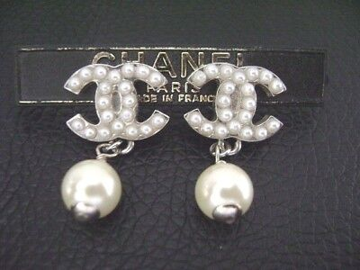 Auth Chanel Silver CC Tiny Pearls Top w/ Pearl Dangling Pierce Earring(05V)