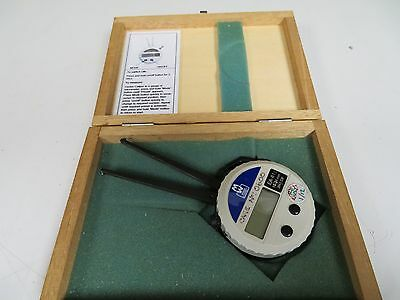 "Moore & Wright Digital Internal Caliper - English/Metric - .394-1.338"" - FS9"