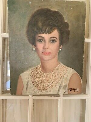 Beautiful oil painting of a lovely and sophisticated lady