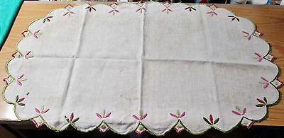 Antique Table Runner or Centerpiece Arts & Crafts Embroidery Classic Design