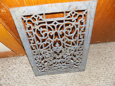 grate antique 13 11/16 in tall vintage Castiron