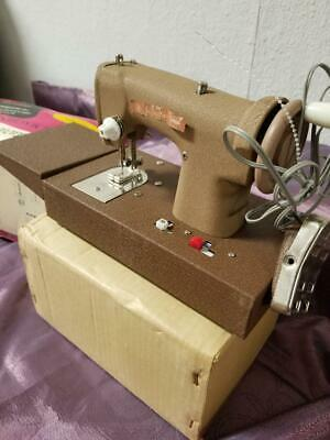 Signature Junior Battery Operated Sewing Machine WORKS